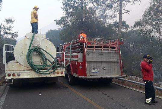Se suma la Unión Ganadera a combate contra incendios en la Sierra Gorda