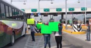 Protestan campesinos, bloquean carreteras y exigen respeto al presupuesto para el campo
