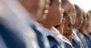 464 mil 166 alumnos y 18 mil 677 maestros de 3 mil 622 escuelas públicas y privadas de Educación Básica en el estado.