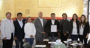 Apoyar a los jóvenes en su educación es prioritario para este gobierno: Roberto Sosa.