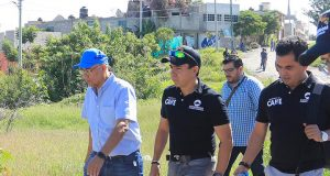 Roberto Sosa supervisa avances de obra en colonias de Corregidora